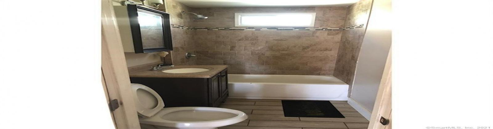 36 Warren St, Meriden, Connecticut, 2 Bedrooms Bedrooms, ,2 BathroomsBathrooms,Apartment,For Sale,Warren St,1005